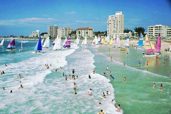 Humewood beach - Online Port Elizabeth Airport Car Hire booking